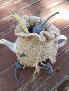 'Sack of Mice' Tea Cosy. Crochet interpretation based on this knitted pattern; http://www.ravelry.com/patterns/library/sack-of-mice-tea-cozy