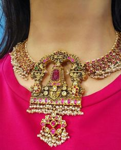 22 Carat gold traditional South Indian necklace adorned with rubies, polki diamonds and pearls by Harini Fine Jewellery. Indian Wedding Jewelry, Indian Jewelry, Bridal Jewellery, Temple Jewellery, South Indian Jewellery, Indian Weddings, Ethnic Jewelry, Indian Bridal, Royal Jewelry