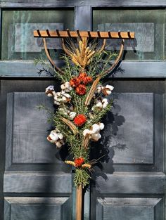 hay rake, big barn--williamsburg va christmas decorations | Colonial Williamsburg VA 2643 by Jerry Patterson, Culpeper, VA