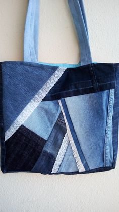 Jean Crafts, Denim Ideas, Recycle Jeans, Blouse Designs, Purses And Bags, Quilts, Tote Bag, Sewing, Fabric