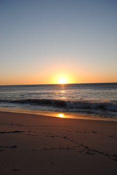 Nature Australia by MorganaMagorian. Beautiful Beach Pictures, Beautiful Sunset, Beautiful Beaches, Beach Aesthetic, Travel Aesthetic, Applis Photo, Sky Sea, Sunset Wallpaper, Sunset Photography