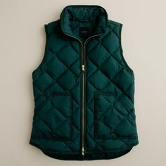 Our latest light-as-air puffer vest that's completely compact and easy to layer yet warm enough to keep winter's chill at bay. We glamorized the sporty shape w…