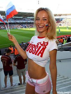 Silvia 💕 (@Sweet__piccola) / Twitter Hot Football Fans, Football Girls, Football Outfits, Soccer Fans, Hot Fan, Names Girl, Hot Cheerleaders, Russian Beauty, Sporty Girls