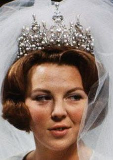 Wurttemberg Ornate Pearl Tiara worn by Queen Beatrix of the Netherlands for her wedding to Claus von Amsberg in 1966.