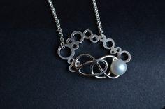 Abyss- Il nome del girocollo si ispira alla sua natura. E stato ideato e creato da me artigianalmente. E costituito da una catena con un elemento