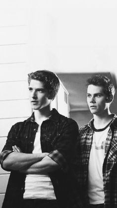 Tav and Ryker, more thinking of their characters in this show though Scott Et Stiles, Teen Wolf Scott, Teen Wolf Mtv, Teen Wolf Boys, Teen Wolf Dylan, Teen Wolf Stiles, Tyler Posey, Dylan O'brien, Arte Teen Wolf