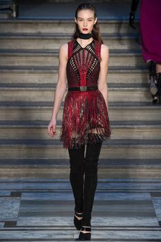 Julien Macdonald Fall 2015 Ready-to-Wear - Collection - Gallery - Style.com