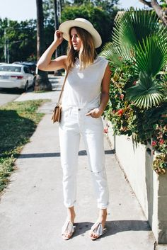 7 Not Tacky Ways To Wear White Jeans In Summer - Wheretoget