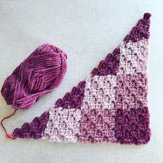 Gingham Crochet Corner to Corner Blanket in LionBrand Wool-Ease Yarn - Free Pattern -