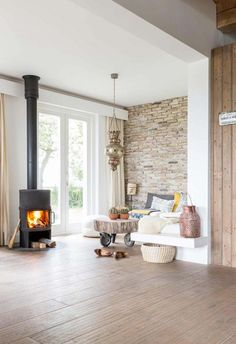 Trendy home decored living room fireplace wood stoves ideas Living Room With Fireplace, Home Living Room, Living Spaces, Fireplace Design, Trendy Home, My New Room, Home Fashion, Family Room, New Homes