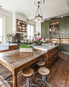 Kitchen Decor 46 Inspiring Rustic Country Kitchen Ideas To Renew Your Ordinary Kitchen - Trendehouse.Kitchen Decor 46 Inspiring Rustic Country Kitchen Ideas To Renew Your Ordinary Kitchen - Trendehouse Rustic Country Kitchens, Rustic Kitchen Design, Cottage Kitchens, Kitchen Layout, Interior Design Kitchen, Home Design, Design Ideas, Small Kitchens, Kitchen Designs