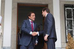 Pedro Passos Coelho reune com Paulo Portas by PSD - Partido Social Democrata, via Flickr