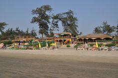 В Гоа множество пляжей, некоторые из них похожи, а некоторые отличаются как ночь и день. Начнем, пожалуй, с Арамболя.