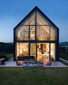 いいね!1,641件、コメント9件 ― Fine Architectureさん(@finearchitecture)のInstagramアカウント: 「House near Krakow, Poland by Architects Ola Wołczyk-Perłak & Joanna Wużyk | More images…」
