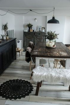 Dark Wood Table Kitchen Dining Rooms Ideas For 2019 Home Interior, Interior Design, Home And Deco, Wood Table, Sweet Home, Room Decor, House Design, Kitchen Wood, Kitchen Dining