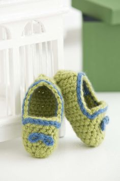 Treat your baby with these adorable crochet Royal Prince Baby Booties in super soft 100% Cashmere from Lion Brand's LB Collection!