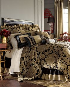"""Pacific Coast Home Furnishings """"Sienna"""" Bed Linens"""
