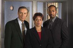 LAW & ORDER -- Season 13 -- Pictured (l-r) Jerry Orbach as Detective Lennie Briscoe, S. Epatha Merkerson as Lt. Anita Van Buren, Jesse L. Martin as Detective Ed Green