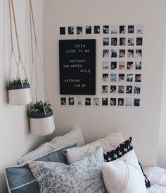 10 DIY Dorm Room Decor Ideas To brighten Up Your Space! Easy DIY dorm room hacks perfect for college students. Efficient Dorm Room Organization Ideas you can try! Obsessed with these dorm room storage ideas! I want to add these all in my dorm room. Dorm Room Storage, Dorm Room Organization, Organization Ideas, Storage Ideas, Wardrobe Organisation, Cute Dorm Rooms, College Dorm Rooms, College Closet, College Apartments