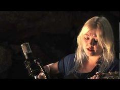 "Elle King plays ""Ain't No Sunshine"" by Bill Withers - Legends of La La"