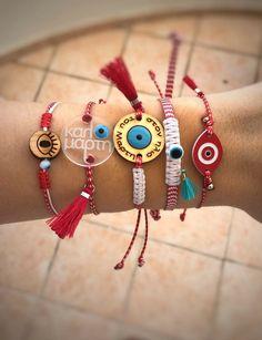 Evil Eye Jewelry, Evil Eye Bracelet, Easy Crafts To Make, Diy And Crafts, Amulets, Hippie Jewelry, Macrame Bracelets, March, Jewellery
