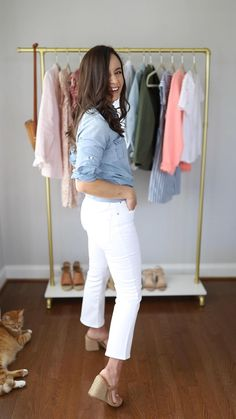 Four ways to wear kick crop jeans Madewell kick crop jeans kick crop jeans outfits kick crop jeans Outfit Jeans, Cropped Jeans Outfit, Heels Outfits, Jean Outfits, Crop Jeans, Fashion Outfits, Jeans Denim, Style Fashion, Casual Work Outfits