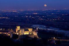 Tra sogno e realtà..Il #Castello incantato di #Torrechiara - Foto di ItalyLandscape&Art