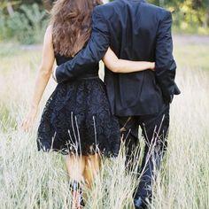 """""""Es increíble los millones de personas que hay en el mundo y solo una nos hace soñar, QUÉDATE con quien te haga sonreír a todas horas y te haga un espacio en su día, con quien sepa cuidarte en los peores momentos y disfrutar en los buenos, con quien entienda tu locura y no quiera cambiarla, con quien te siga buscando y conquistando aunque ya te tenga porque no hay mejor placer en la vida que enamorarse cada día de la misma persona"""".   #Buenosdías y #felizdomingo con mucho ♡LOVE♡"""