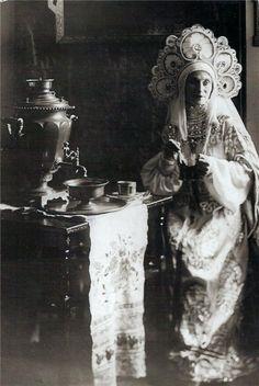 "carolathhabsburg:  "" Ana Pavlova in a traditional russian gown  """