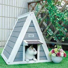 Petsfit Outdoor Cat Shelter For Feral Cat,Cat House Cat Condo Grey http://www.kittydevilscat.com/product-category/cats-furniture/