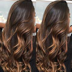 Hair Curly Ombre Brunettes Ideas For 2019 Balayage Brunette Short, Brown Hair Inspiration, Breaking Hair, Medium Hair Cuts, Beach Hair, Ginger Hair, Hair Highlights, Ombre Hair, Dark Hair