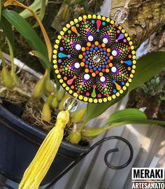 Mandala Dots, Mandala Pattern, Mandala Design, Cd Crafts, Diy Home Crafts, Hand Painted Dishes, Mandala Jewelry, Dot Art Painting, Origami Art