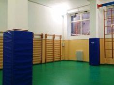 Impianto basket a parete e rivestimenti di protezione pilastri per