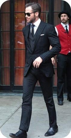 Chris Pine heads out to 'Star Trek Into Darkness' screening in New York City in a Ralph Lauren pinstripe suit Dapper Gentleman, Gentleman Style, Dapper Men, Sharp Dressed Man, Well Dressed Men, Mens Fashion Suits, Mens Suits, Men's Fashion, Stylish Men