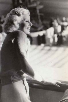 A George Vreeland Hill post. Hollywood Icons, Old Hollywood, Baby Jeans, Myrna Loy, Jean Harlow, Rita Hayworth, Joan Crawford, Animal Quotes, American Actress