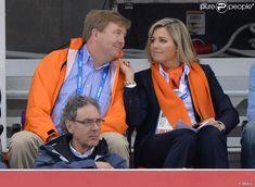 Sotchi 2014 : Maxima et Willem-Alexander des Pays-Bas, folie orange et or http://www.purepeople.com/article/sotchi-2014-maxima-et-willem-alexander-des-pays-bas-folie-orange-et-or_a136281/1 via @Sarah Barber