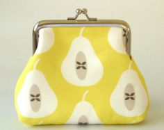 Pear coin purse in Yellow