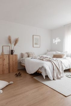 Home Decoration Application - . - Home Decoration Application – # Check more at d - Room Ideas Bedroom, Home Decor Bedroom, Bed Room, Cozy Bedroom, Light Bedroom, Bedroom Art, White Bedroom, Bedroom Inspo, Wooden Furniture Bedroom