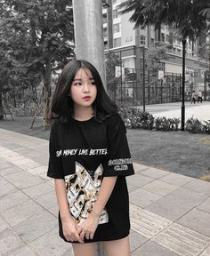 Discover recipes, home ideas, style inspiration and other ideas to try. Ulzzang Short Hair, Ulzzang Korean Girl, Cute Korean Girl, Asian Girl, Girls Fashion Clothes, Kids Outfits Girls, Girl Outfits, Cute Outfits, Jung So Min