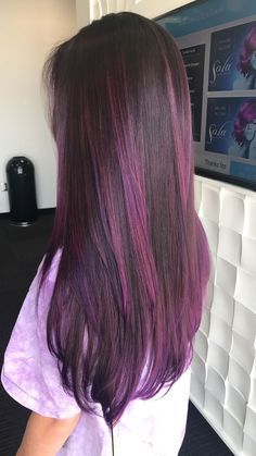 Brunette with purple ombré hair в 2019 г. balayage hair, dyed hair и dy Hair Color Streaks, Hair Color Purple, Hair Dye Colors, Cool Hair Color, Purple Hair Highlights, Brown Hair With Purple Highlights, Burgundy Hair Ombre, Ombre Brown, Colored Highlights