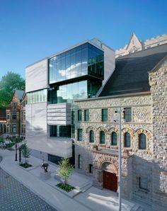 Un Musée Canadien dans une Eglise par Provencher Roy + Architectes Associés