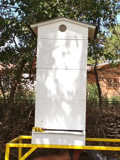 This hive weighs in excess of over My bee hive stand has no problem supporting all this weight.