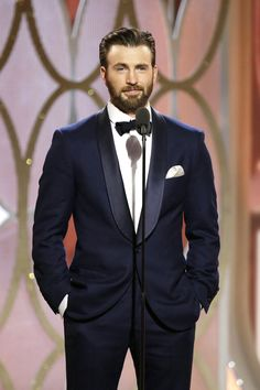 Welcome to beardedchrisevans! I post Captain America & all things Chris Evans. Here you will find daily updates including photos, videos, appearances, and all things Chris. Christopher Evans, Robert Evans, Capitan America Chris Evans, Chris Evans Captain America, Actriz Margot Robbie, Cris Evans, Look Star, Human Torch, Man Thing Marvel
