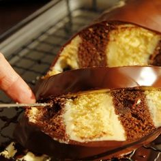 metrový koláč Czech Recipes, Ethnic Recipes, Delicious Desserts, Yummy Food, Caramel Apples, Baked Potato, Meal Planning, Food And Drink, Cooking Recipes