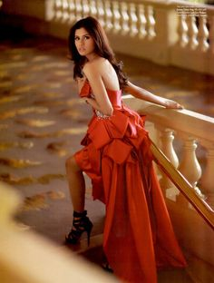 Shamcey Supsup for Look Philippines November/December 2011 - Stunning dress!