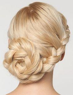 fonott+frizurák+-+fonott+oldalkonty