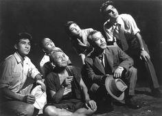 Still of Akihiko Hirata, Momoko Kôchi, Takashi Shimura, Akira Takarada and Ren Yamamoto in Godzilla (1954)