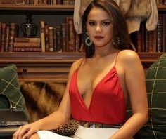 A atriz Bruna Marquezine foi escalada para dar vida a personagem Beatriz na…