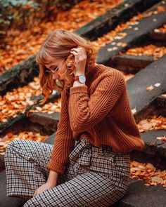 Catching the last of these colours 🍂 Luckily I'm heading off to Japan next week and there autumn has barely even started, can't wait as for… Zooey Deschanel, Fall Outfits, Cute Outfits, Fashion Outfits, Japan Outfit, Luanna, Orange Sweaters, Mode Hijab, Japan Fashion