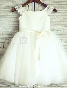 Princess Knee-length Flower Girl Dress - Lace / Satin / Tulle Short Sleeve Scoop with 2016 - $79.99